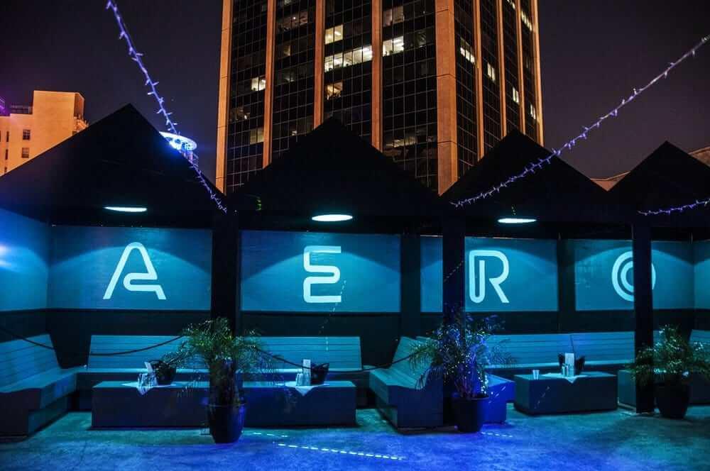 Bares e baladas em Orlando: Aero Rooftop Bar & Lounge