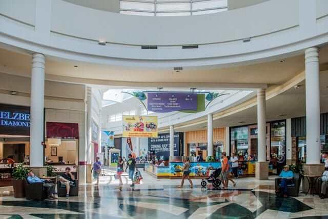 Shopping Florida Mall em Orlando: interior do shopping