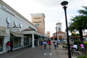 Dicas de segurança para brasileiros em Orlando: compras