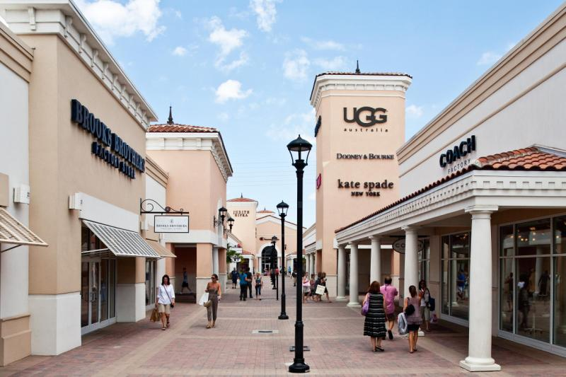Chicago Premium Outlets Shop at The Uniform Outlet for fashionably professional nursing scrubs and medical uniforms! We carry the best brands in the industry, including Cherokee, Dickies, Heartsoul, Wink, .