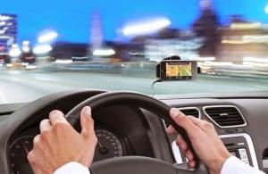 Como alugar um carro bem barato em Orlando: usando o celular à vontade em Orlando
