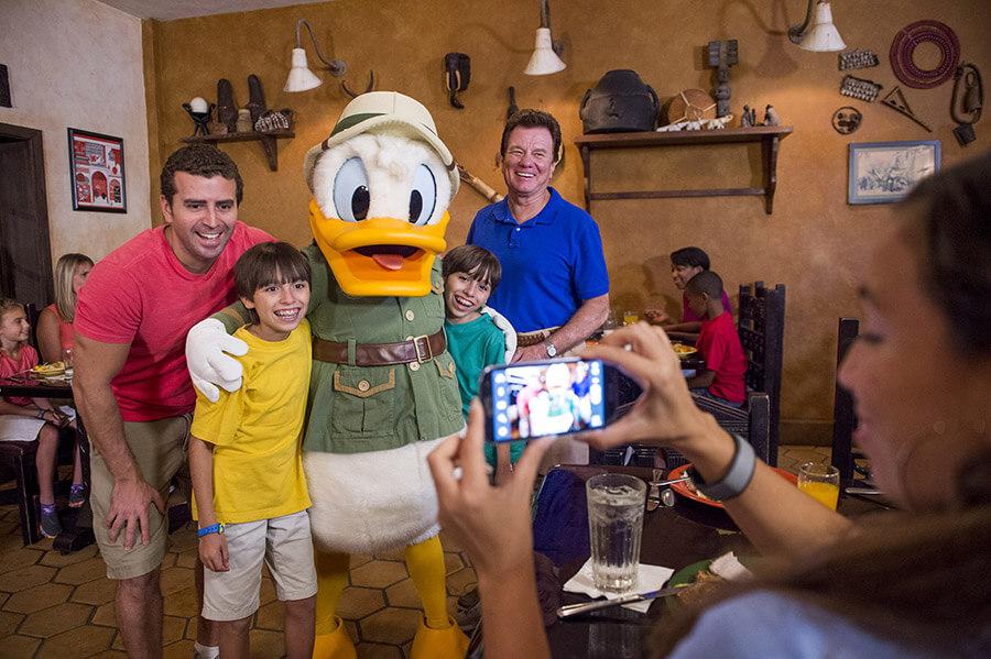 Restaurantes com personagens em Orlando: restaurante Tusker House