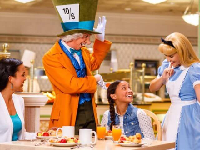 Restaurantes com personagens em Orlando