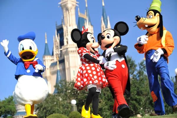 Intercâmbio em Orlando: personagens Disney