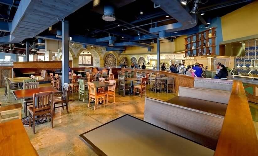 Restaurante Spice Mill no SeaWorld Orlando: interior do restaurante