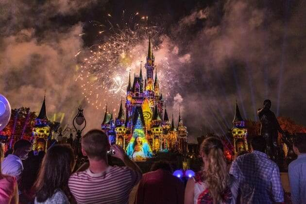 Show de fogos no Disney Magic Kingdom Orlando: Happily Ever After