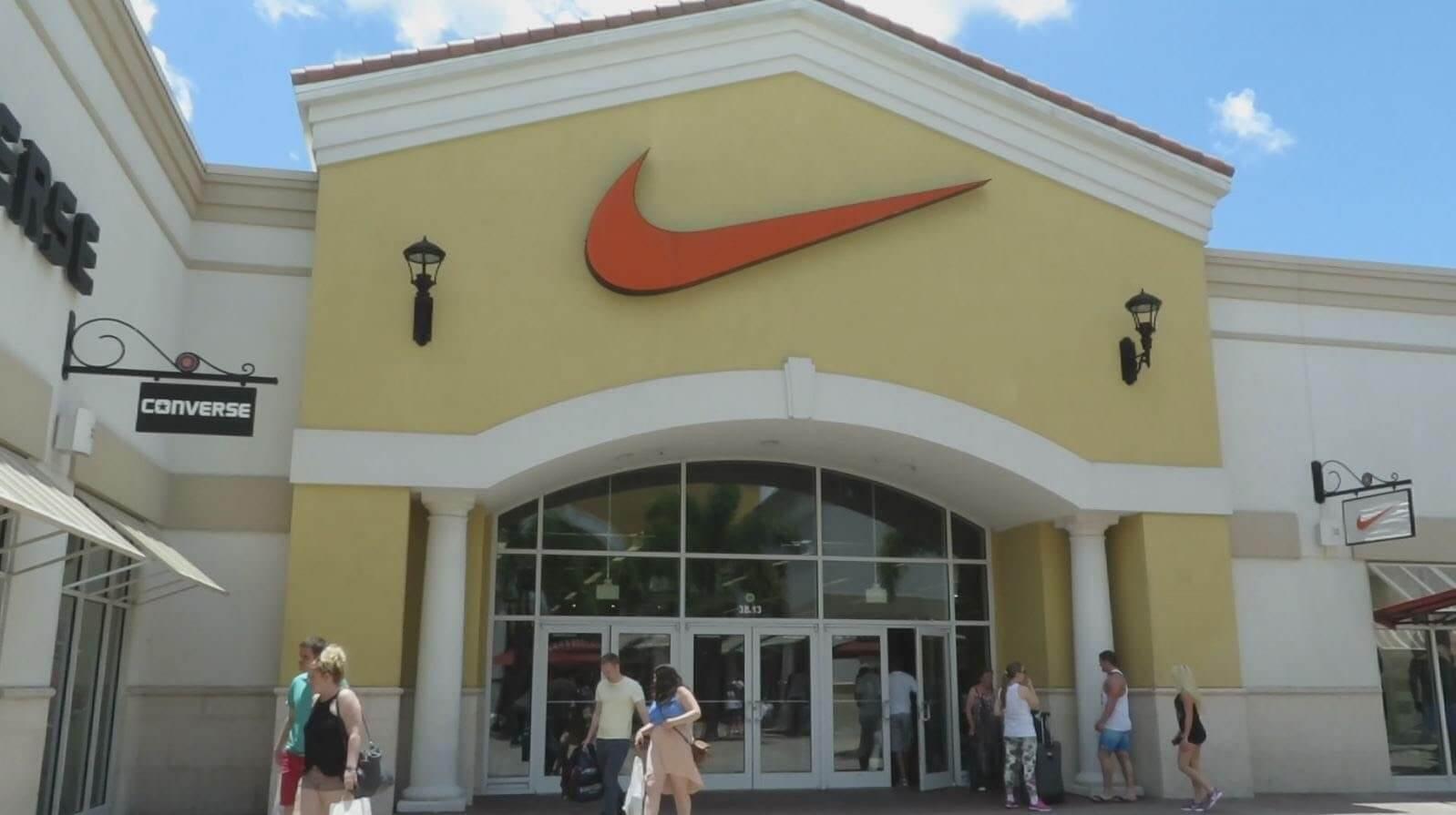 c7f6d328ad Lojas Nike em Orlando  Outlet Premium
