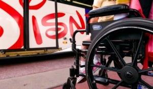 7 dicas para idosos e portadores de deficiência em Orlando: cadeira de rodas nos parques da Disney