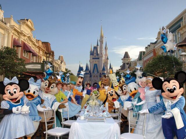 Restaurantes da Disney com personagens