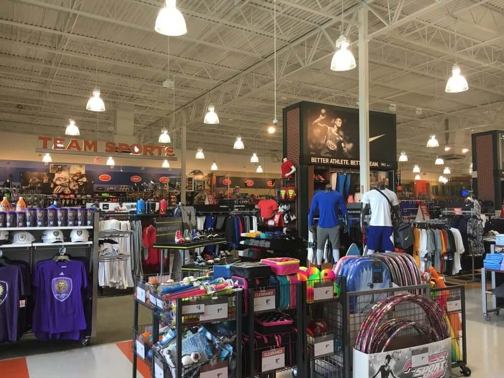Onde comprar roupas de ginástica e academia em Orlando: Dick's Sporting Goods