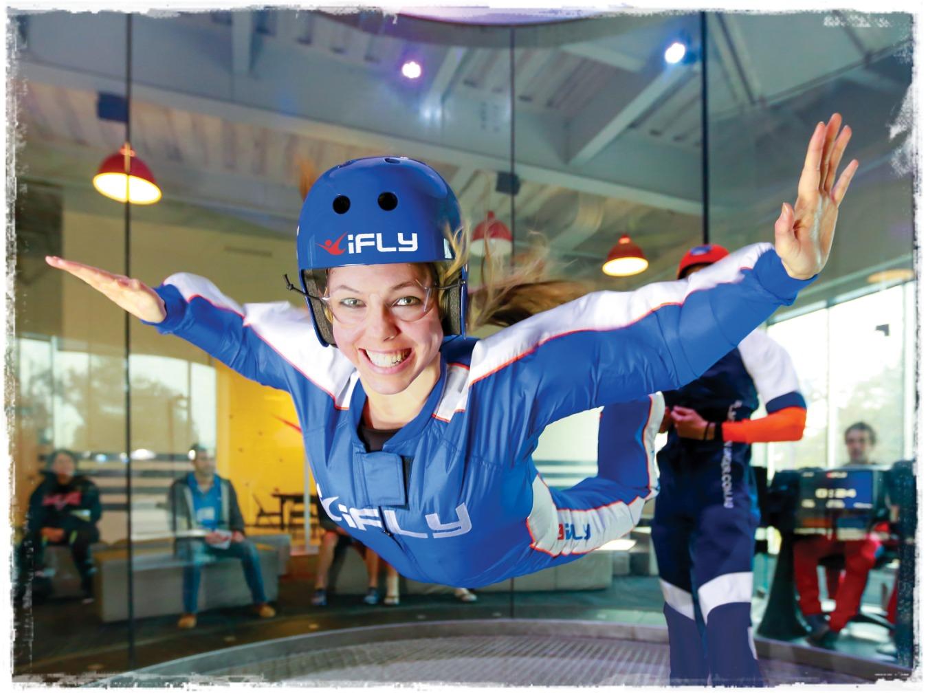 Simulador de pulo de para-quedas iFly Orlando 3