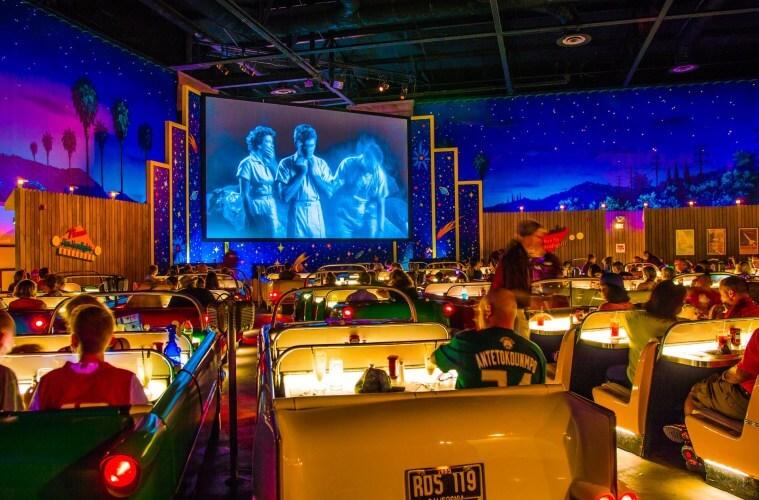 Onde comer com crianças na Disney e Orlando: Sci-Fi Dine-In Theatre Restaurant
