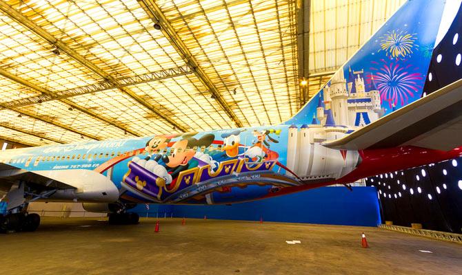 Quantas milhas para Orlando e Disney: Avião da Disney da TAM