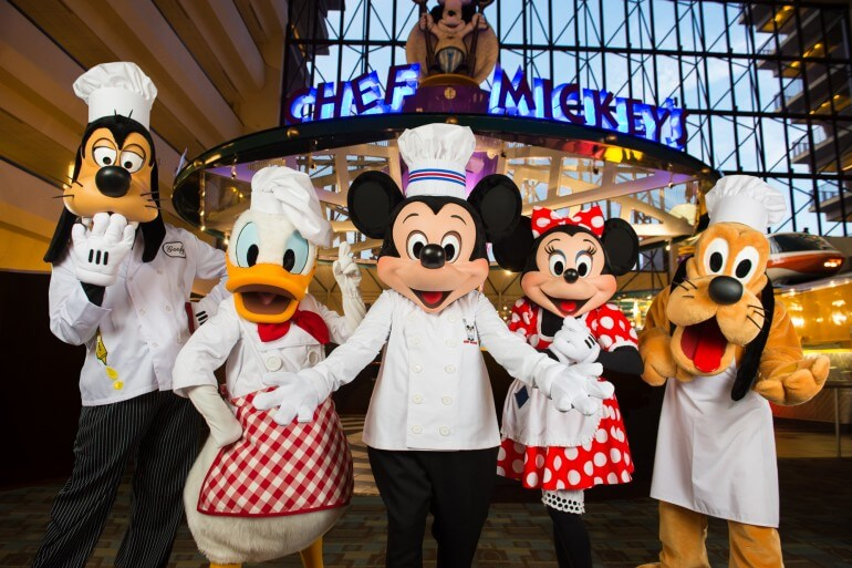 Restaurantes com personagens em Orlando: restaurante Disney Chef's Mickey
