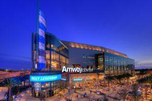 Orlando e Disney no mês de janeiro: jogo de basquete da NBA no Orlando Magic Arena