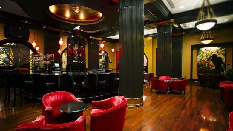 7 lugares para gays e lésbicas em Orlando: Bösendorfer Lounge