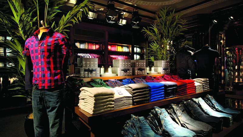 Lojas Abercrombie em Orlando: roupas