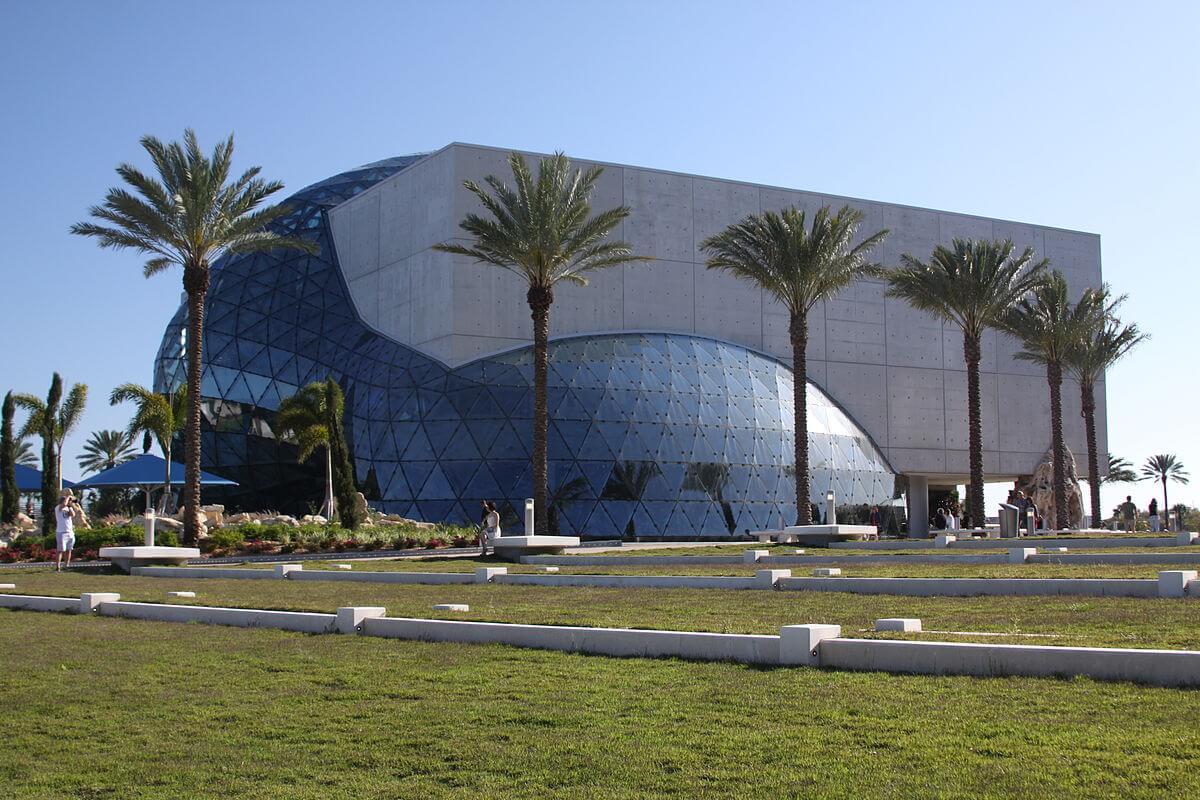 Passeio de um dia no museu Salvador Dalí em Orlando