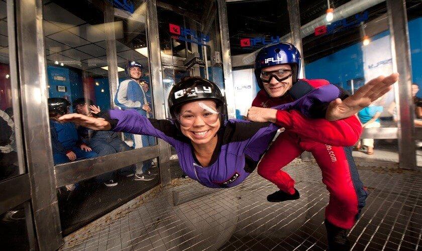 7 lugares legais na International Drive Orlando: simulador de salto de paraquedas iFly