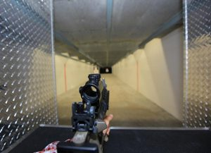 Tiro com armas no Orlando Gun Club em Orlando