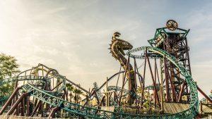 7 atrações e brinquedos do Parque Busch Gardens em Orlando: Cobra's Curse