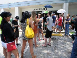 Costumes diferentes, hábitos e tradições em Orlando: fila