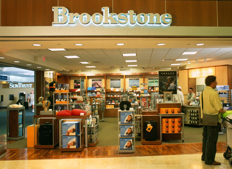 Loja Brookstone de brinquedos eletrônicos em Orlando
