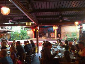 Jantar havaiano na Disney em Orlando: restaurante Ohana