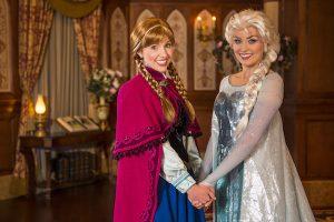 Quais brinquedos vale a pena fazer Fast Pass no Magic Kingdom: Anna e Elsa de Frozen