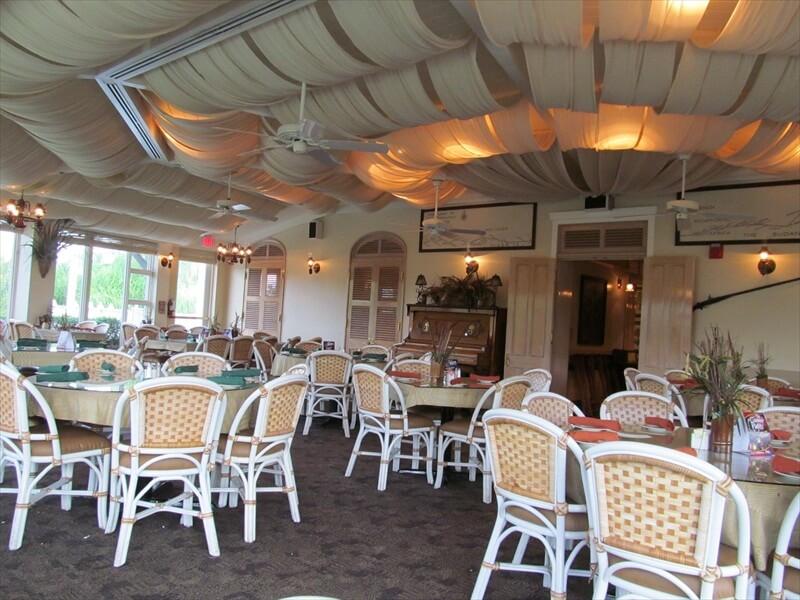 Restaurantes do parque Busch Gardens em Orlando: restaurante Serengeti Overlook Pub