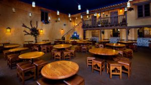 Restaurantes do parque Disney Magic Kingdom em Orlando: restaurante Pecos Bill Tall Tale Inn and Cafe
