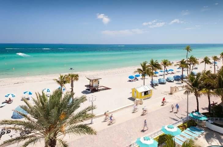 O que fazer em Miami: praia Hollywood Beach
