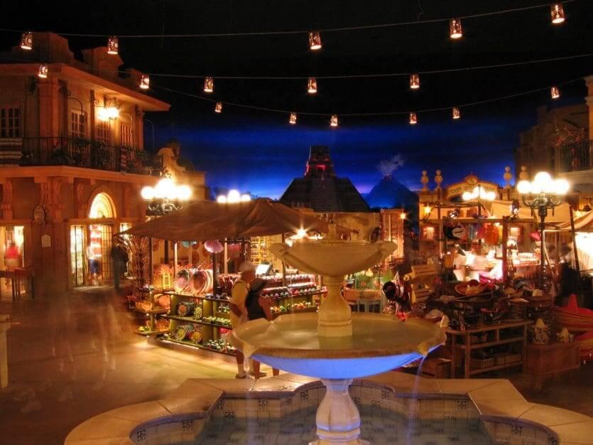 Pavilhão e área do México no Disney Epcot em Orlando: lojas