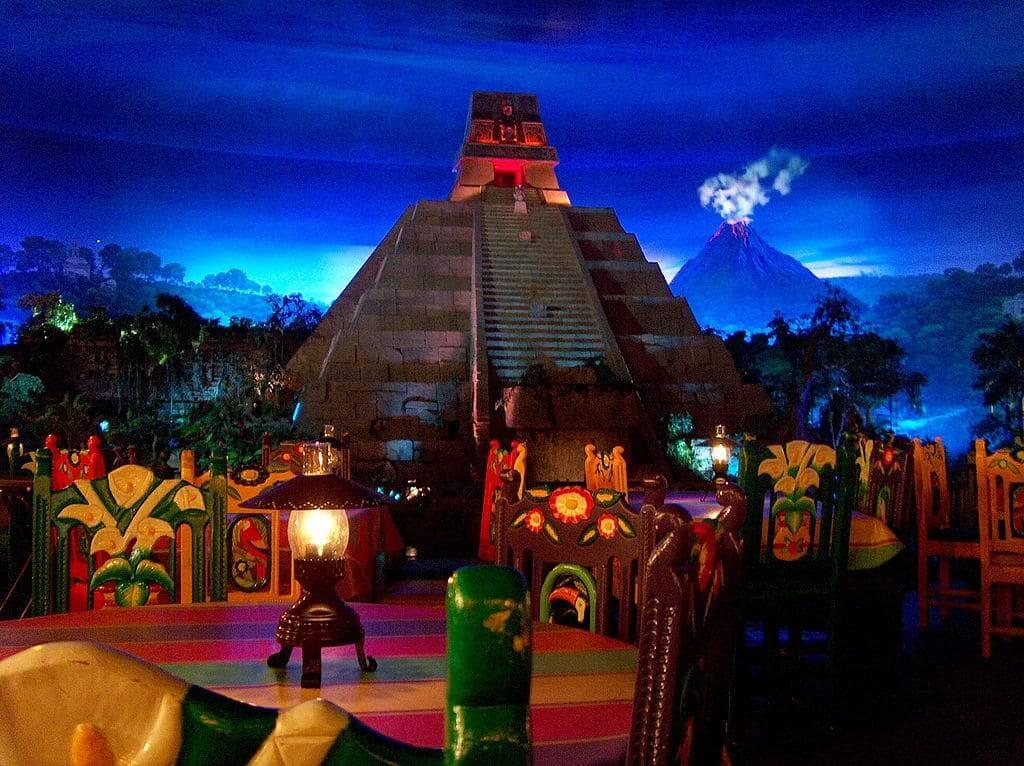 Pavilhão e área do México no Disney Epcot em Orlando: restaurante San Angel Inn