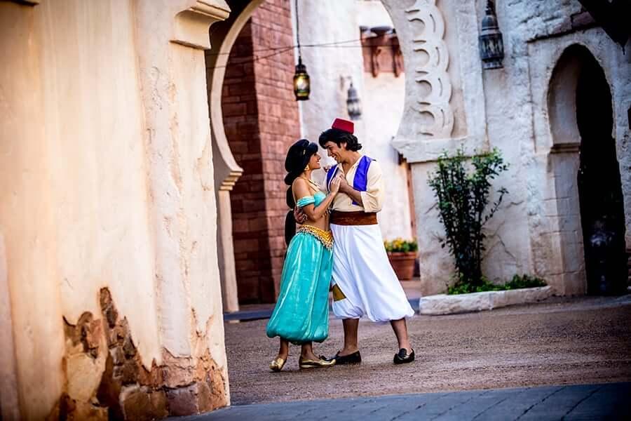 Pavilhão e área de Marrocos no Disney Epcot em Orlando: Aladdin e Jasmine
