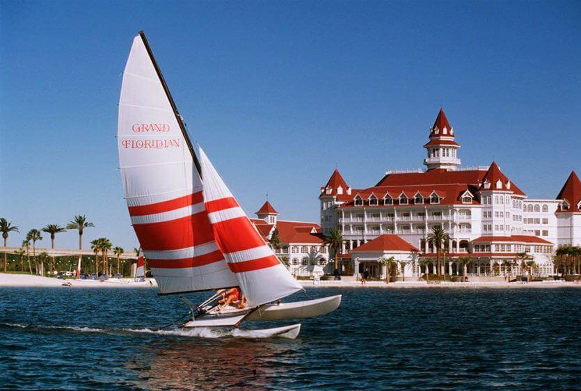 Disney's Grand Floridian Resort & Spa: esportes aquáticos na Seven Seas Lagoon