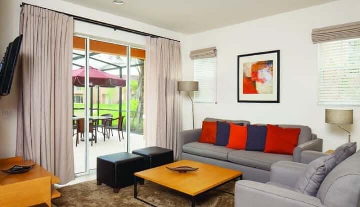 Regal Oaks Resort - salón