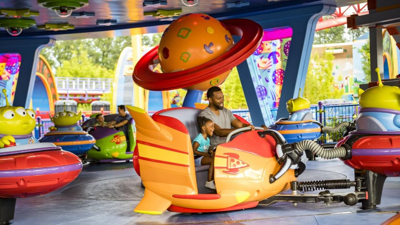 Nova área de Toy Story no Disney Hollywood Studios: Alien Swirling Saucers