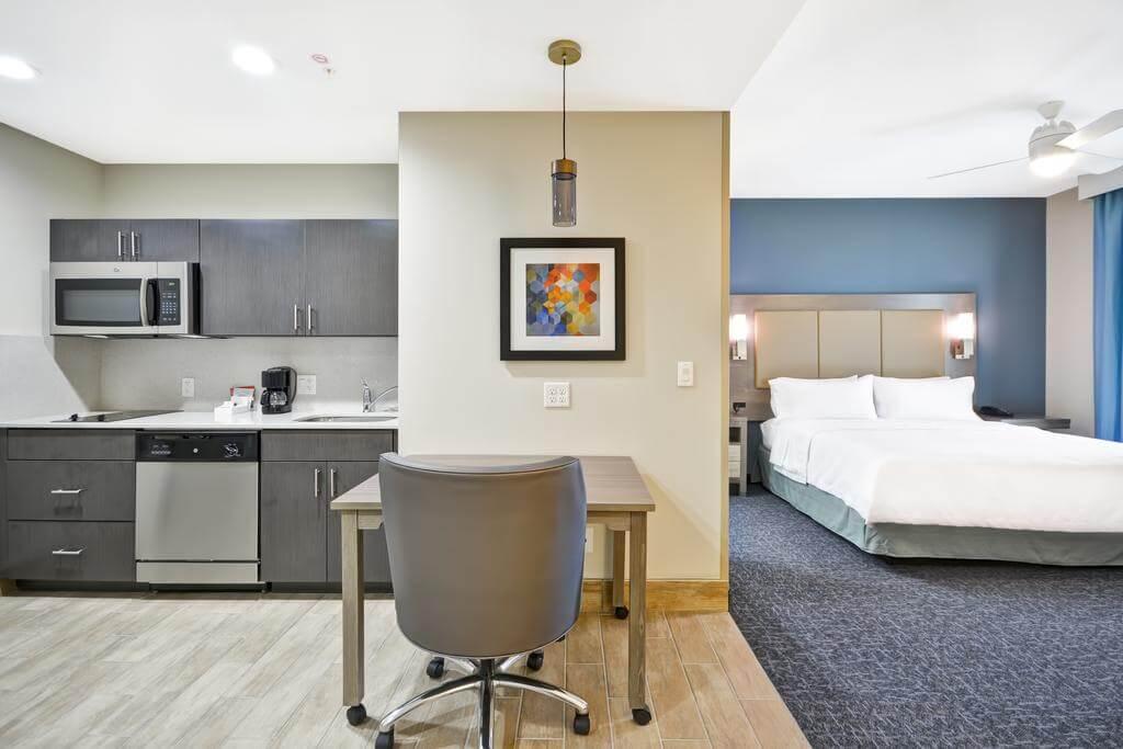 Melhores hotéis em Orlando: Hotel Homewood Suites by Hilton Orlando Theme Parks - quarto