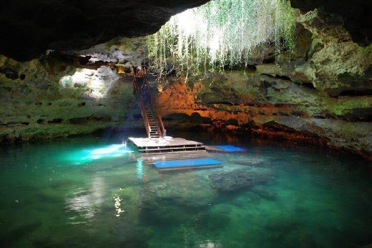 Atração Devil's Den Prehistoric Spring: caverna