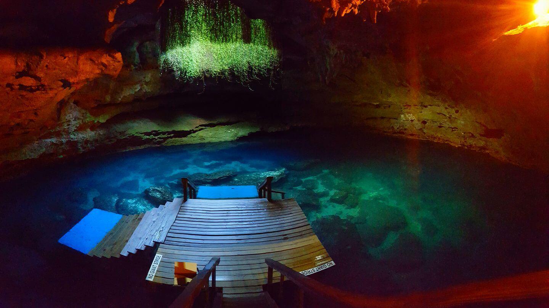 Atração Devil's Den Prehistoric Spring: gruta