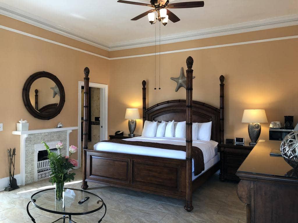 Melhores hotéis em Key West: Hotel Southernmost Point Guest House - quarto