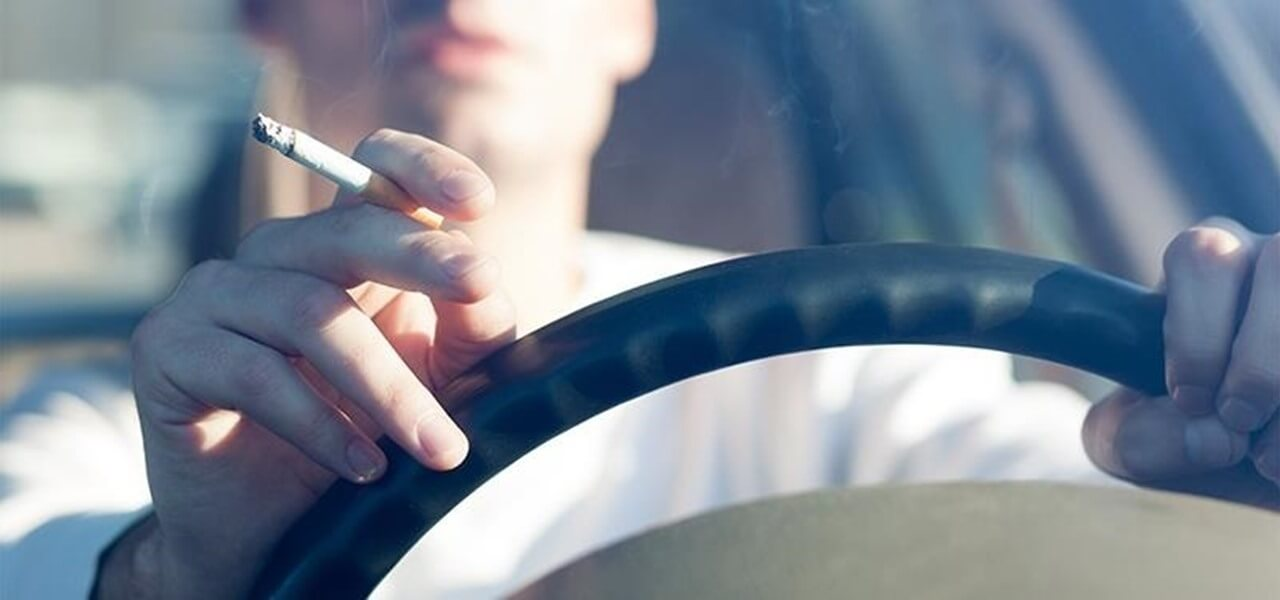 Dicas para fumantes na Disney e em Orlando: fumar no carro em Orlando