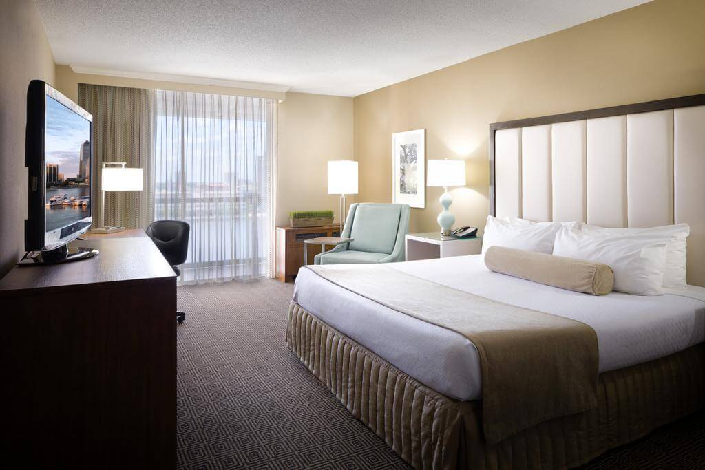 Melhores hotéis em Jacksonville: HotelDoubleTree by Hilton - quarto