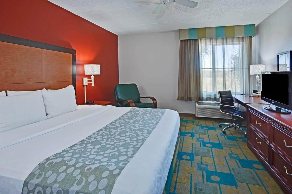 Hotéis bons e baratos em Naples: Hotel La Quinta Inn & Suites - quarto