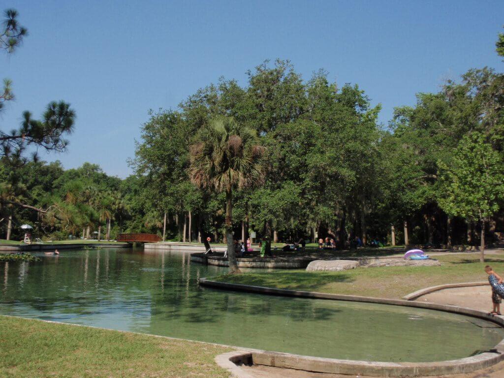 Passeio por Rock Springs Run em Kelly Park perto de Orlando: parque natural