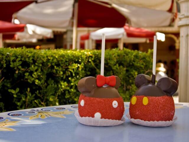 Melhores doces e lanches da Disney Orlando: Maçã com chocolate