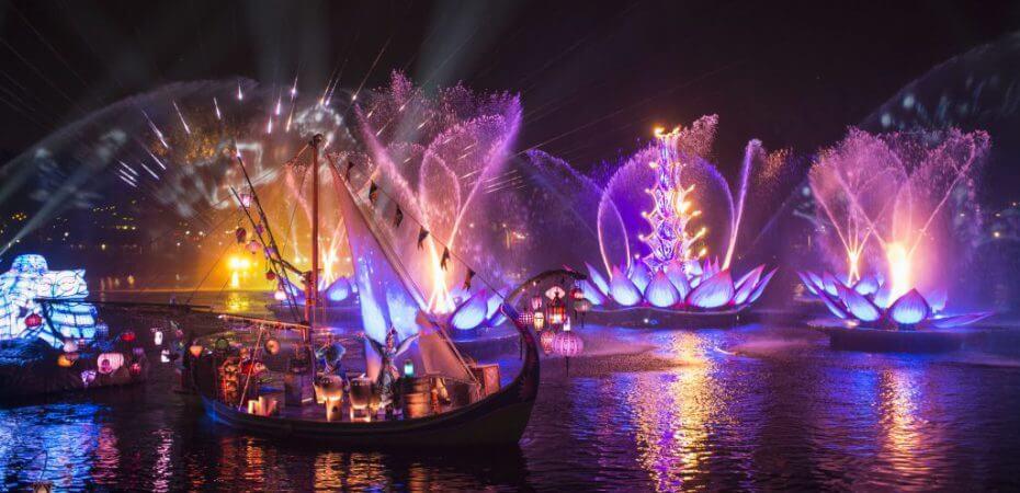 Buffet de sobremesas do show Rivers of Light na Disney Orlando: Rivers of Light Dining Package