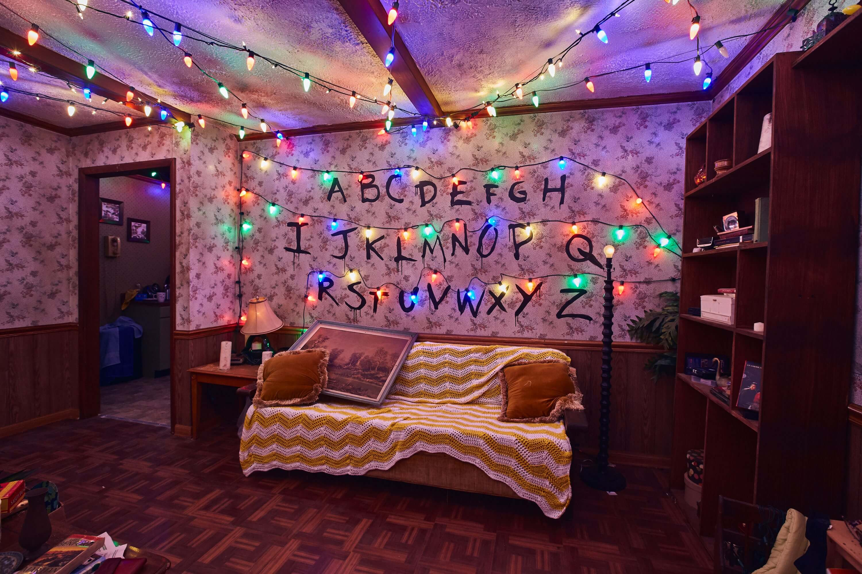 Atração de Stranger Things no Halloween da Universal Studios Orlando: sala da casa do Will