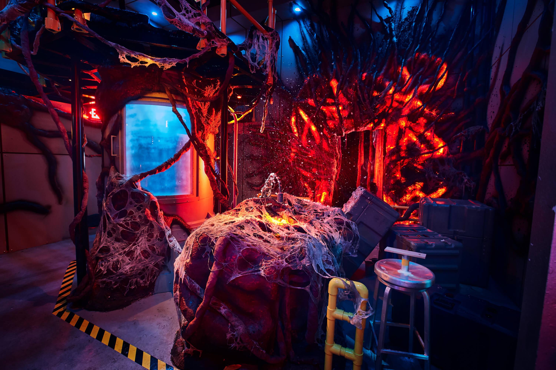 Atração de Stranger Things no Halloween da Universal Studios Orlando: Laboratório Nacional de Hawkins